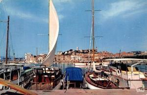 France La Cote d'Azur Cannes Le Port et le Suquet, The Harbour Boats