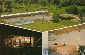 GANANOQUE , Ontario, 1950-60s ; Thunderbird Motel