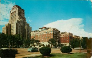 Postcard The Chase Park Plaza Hotel, St. Louis, MO