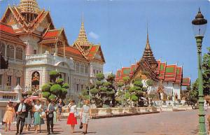 Thailand Royal Grand Palace, Chakri and Dusit Maha Prasadh Halls  Chakri and ...