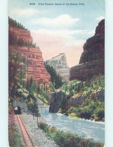 Divided-back TRAIN TRACK BY RIVER Colorado River In Grand Canyon CO AD8398