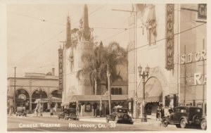RP: HOLLYWOOD , California , 20-30s ; Street view , Chinese Theatre