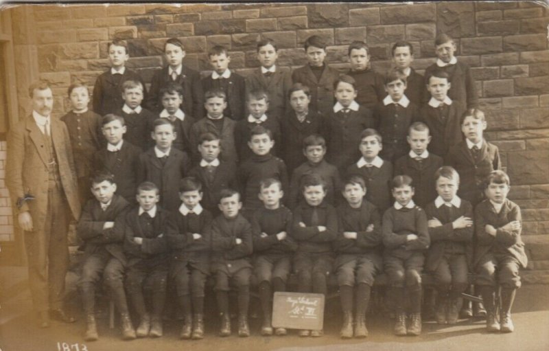 RP:BURRY PORT , Carmarthenshire , WALES , 1900-10s ; Boys school