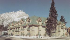 BANFF , Alberta , Canada , 60-80s ; Dynasty Inn