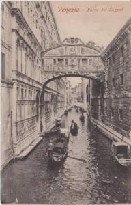 Gondola Traffic, Ponte dei Sospiri, Venezia, Italy 1900-10s