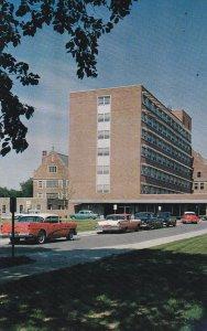 MUNCIE, Indiana; Ball Memorial Hospital, Classic Cars, 1940-60s