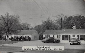 B99/ Marysville Union County Ohio Postcard c1940s Colonial Motel Building Cars