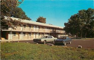Bar Harbor Maine~Anchorage Motel~1970s Cars~Postcard