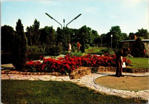 VINTAGE CONTINENTAL SIZE POSTCARD MINI-GOLF IN ROUBAIX FRANCE 1960S/1970S