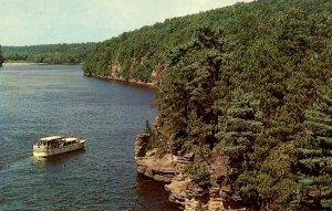 WI - The Dells. Chimney Rock