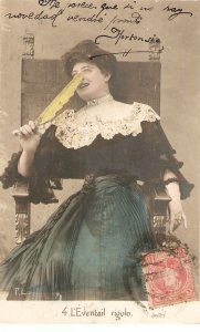 Lady with a geatther. 'eventail rigolo Nice vintage French postcard