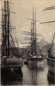 CPA MARSEILLE Un coin du Vieux Port. (444525)
