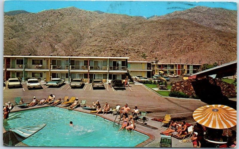 Palm Springs, California Postcard TRAVELODGE MOTEL