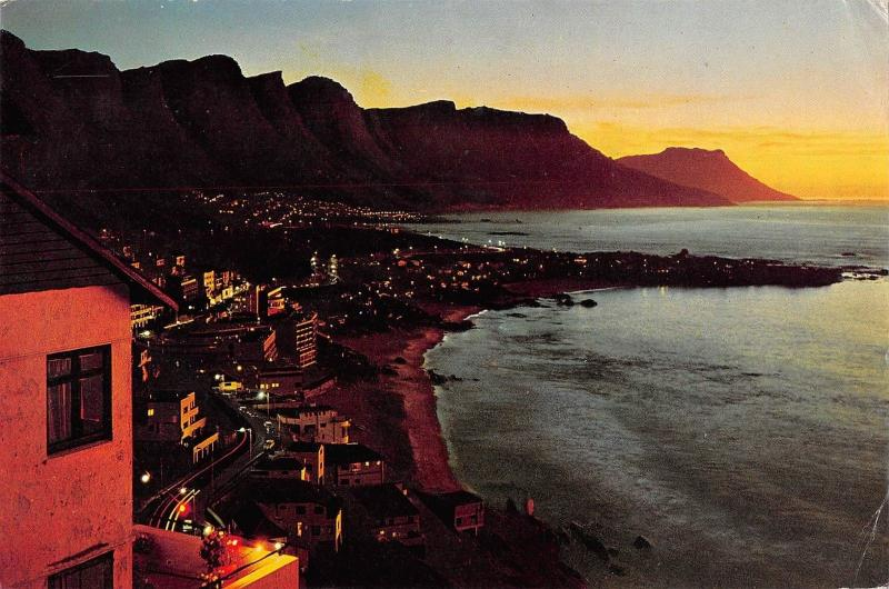 B95449 sunset over cliffton cape  south africa