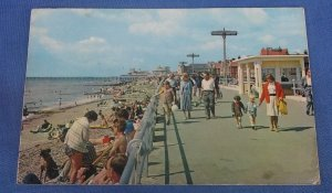 Vintage Postcard   The Beach And Promenade Bognor Regis  Sussex B1D
