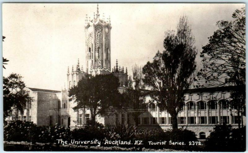 RPPC  AUCKLAND, NZ  New Zealand   THE UNIVERSITY Real Photo  Postcard