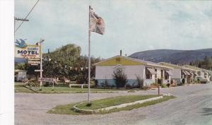 Bluebird Motel , PENTICTON , B.C.  , Canada , 50-60s