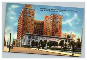 Vintage 1940's Postcard Rodney Square Public Library Wilmington Delaware