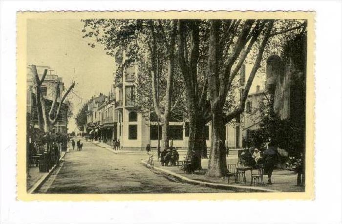TLEMCEN, Algeria, 10-30s   Esplanade du Mechouar et Rue de France