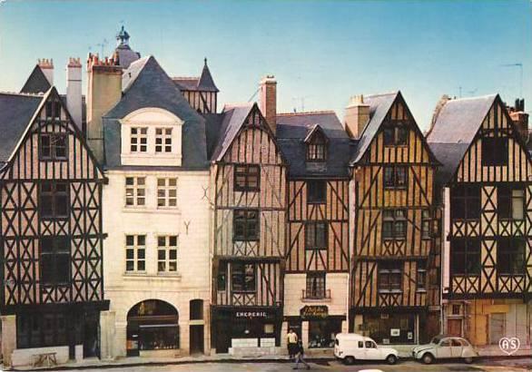 France Tours Ensemble de la Place Plumereau