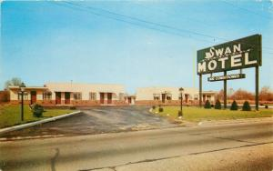 Linden New Jersey~New And Modern Swan Motel~U.S. Hwy Route 1~1950's Postcard