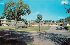 Rutland Vermont~Shade Tree @ Greenmont Motel on Main St 1971