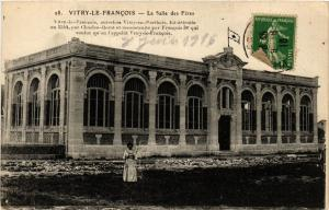 CPA  Vitry-le-Francois - La Salle des Fétes    (742128)