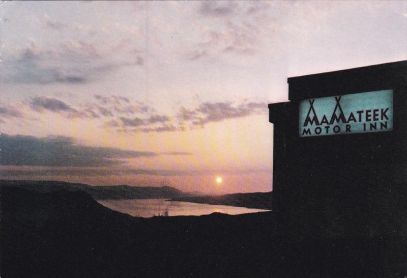 Night View, Mamateek Motor Inn, CORNER BROOK, Newfoundland, Canada, PU-1984