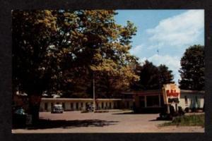 VT Holiday Motel BRATTLEBORO VERMONT Postcard PC