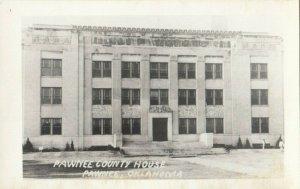 RP: PAWNEE , Oklahoma , 1940s ; Court House