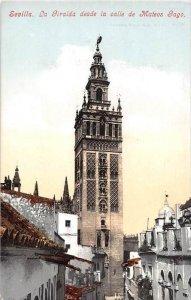 Spain,Sevilla, La Giralda desde la calle de Mateos Iago