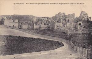 Vue Panoramique Des Ruines De l'Ancien Hopital Et Du Chateau Des Baux, Les Ba...