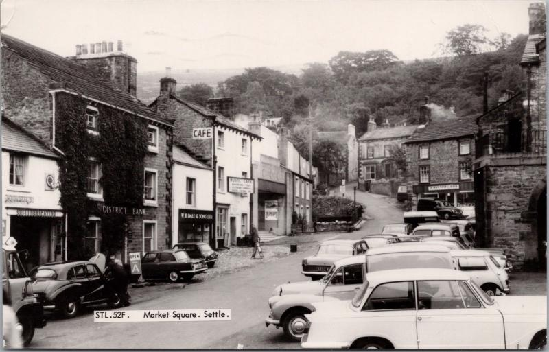 Market Square Settle North Yorkshire UK Nuvic Cafe Rayner & Son Postcard E32