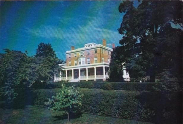 Connecticut Lyme Boxwood Manor