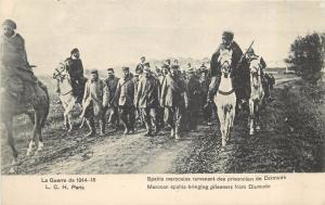 WW1 World War One  morocan spahis bringing German prisoners from Dixmude