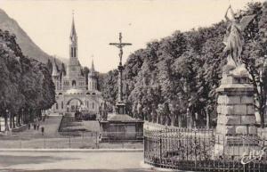 France Lourdes Saint Michel la Croix des Bretons et la Basilique Photo