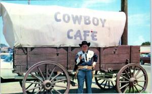 DALHART, TX Texas   COWBOY CAFE COVERED WAGON    c1950s  Roadside   Postcard