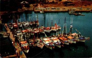 Oregon Depoe Bay Memorial Day Fleet Of Flowers Ceremony