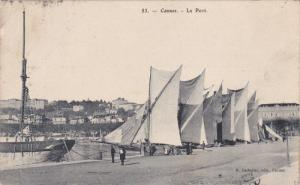 CANNES, France, PU-1907 ; Le Port