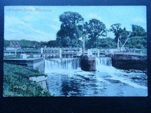 Kent MAIDSTONE Allington Locks c1907 Postcard by Valentine 50252JV