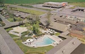 Aerial view,  Swimming Pool,  The Village Green,  Cottage Grove,  Oregon,    ...