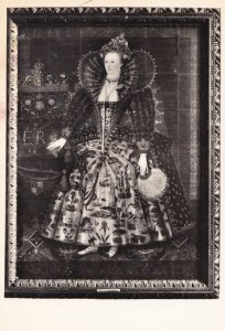 Queen Elizabeth Painting in Hardwick Hall Richard Stevens Postcard