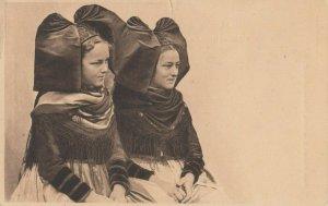 Alsacienne , France, 1908 ; Local girls