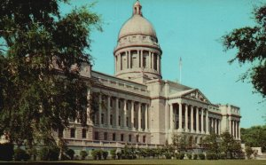 Frankfort, Kentucky, KY, State Capitol, 1973 Chrome Vintage Postcard g8287