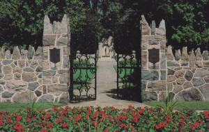 McCREA Memorial , GUELPH , Ontario, Canada , 50-60s