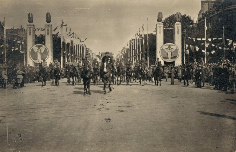 Military Paris 1918 Victory Parade Real Photo 03.75
