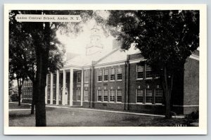 Andes in Catskills New York~Central School~1940s B&W Postcard
