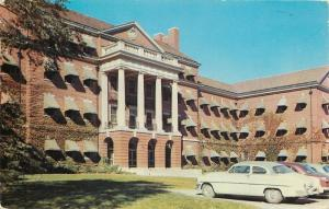Des Moines Iowa~Veterans Hospital~Close Up Cars at Front~1957 Postcard