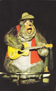 Big Al Singing, Country Bear Jamboree, Frontierland's Grizzly Hall, DISNEYWOR...