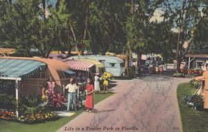 FLORIDA, 1930-40s ; Life in a Trailer Park
